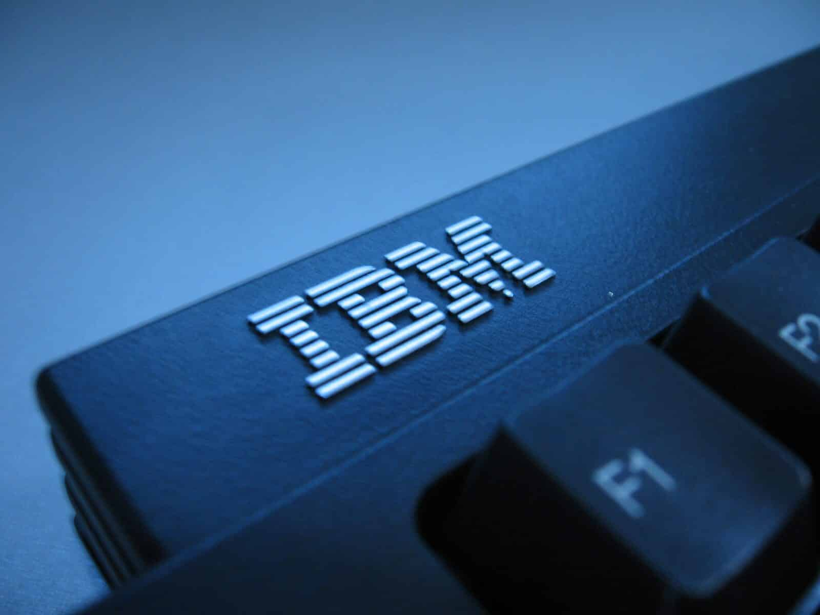 IBM-keyboard-Esteban-Maringolo-Flickr